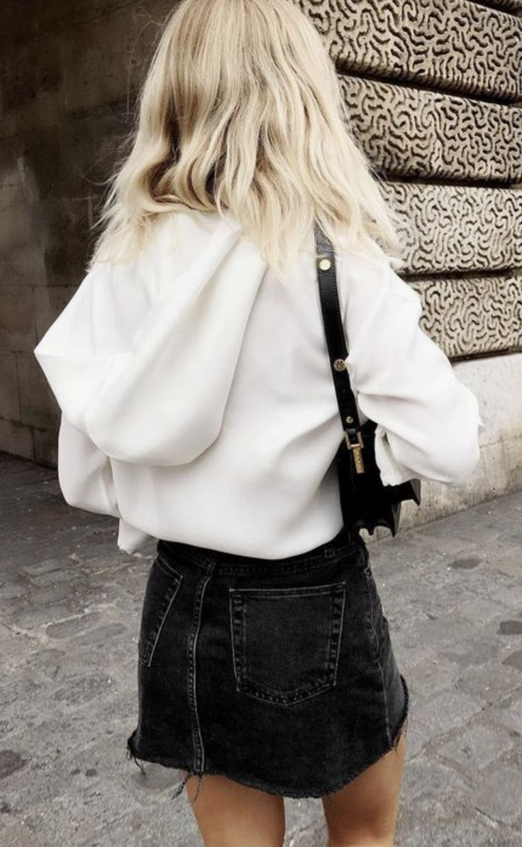 white sweatshirt and black mini skirt Street style, street fashion, best street style, OOTD, OOTD Inspo, street style stalking, outfit ideas, what to wear now, Fashion Bloggers, Style, Seasonal Style, Outfit Inspiration, Trends, Looks, Outfits.