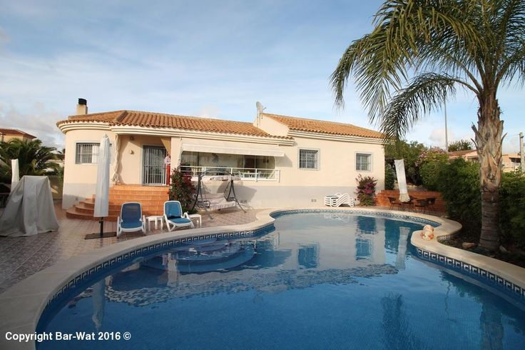 Property ref: 3952 A beautiful South facing detached villa with a large private pool for sale in Urb. La Marina. This property comprises of a large plot of 596m2, closed porch with glass curtains, living room with a log burner, kitchen, 3 bedrooms, and 3 bathrooms. A few of the feauters this property has is integrated air conditioning, a barbecue, double glazed windows with electric blinds and sun awnings. An internal viewing is strongly recommended.. Price: 297.500€