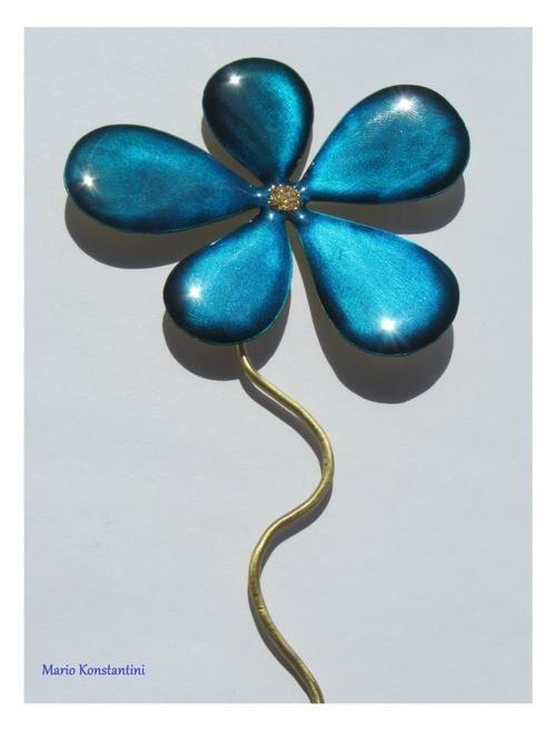#flower #louloudi #mple #blue #karfitsa #pin #girl #woman