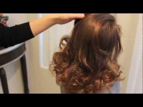靴下1枚だけを使って、巻き髪を作る方法を紹介します。  とても簡単なのに、綺麗なカールが作れます。 ホットカーラーなどを使わないので、お子さんにも安心してカールを作ってあげられます。手間入らずなので、毎朝 巻き髪を作りたいけれど 忙しくて時間のないという大人にもお勧めです。  ミディアムからロングヘアの方に向いています。    ブログ http://KawaiiGirlsHair.com   http://ameblo.jp/kawaiigirlshair