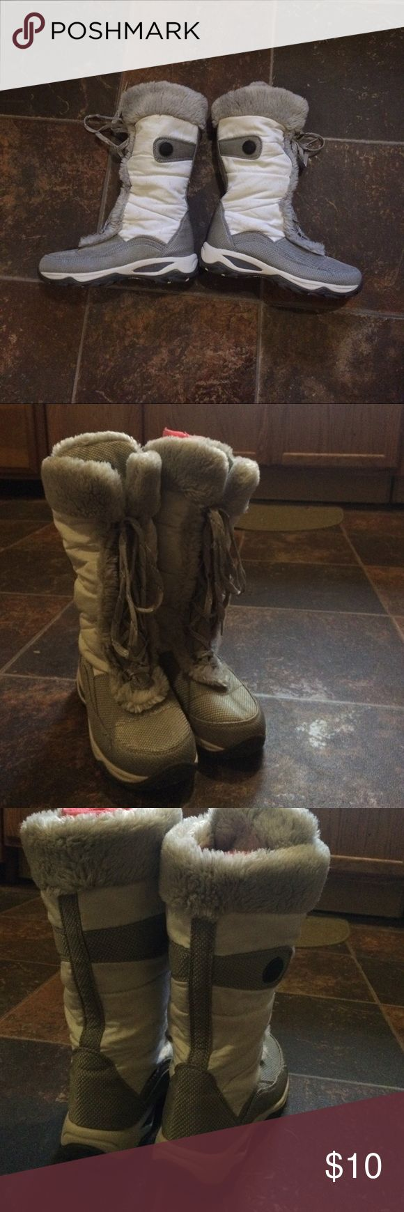 Boston accents winter boots In good condition Preloved Boston accents winter boots. Weather resistant non skid soles and heels Not LL bean just posted as to get exposure L.L. Bean Shoes Winter & Rain Boots