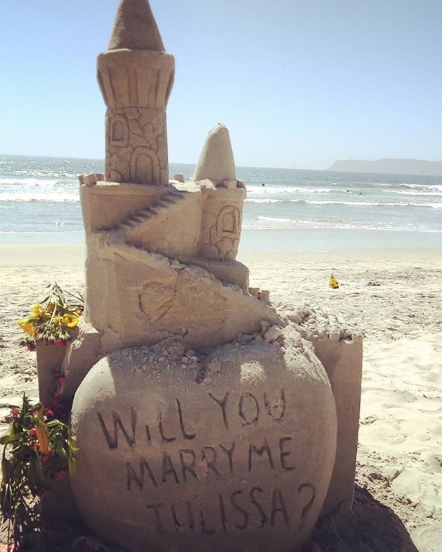 I wondered if someone did a  proposal by this way ? If so, it's so romantic!! 誰かプロポーズしたのかな?もしそうなら、なんかロマンチック!  #San Diego #Coronado beach # sand castle # proposal# サンディエゴ#ビーチ#beach#プロポーズ#砂のお城#romance#ロマンチック #sandiegoconnection #sdlocals #coronadolocals - posted by Kayoko  Suzuki https://www.instagram.com/kayokochan0214. See more post on Coronado at http://coronadolocals.com