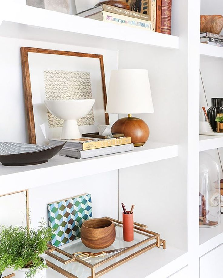 High Quality Paint Bulky Bookcase And Move To Spare Room? 3 Steps To Styling Your  Bookcase_Emily  Henderson_midcentury_bookshelf_modern_blue_white_books_detail 1