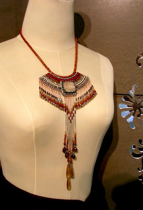 Collana tribale Embroidery Bead rosso indiano di ARTSTUDIO51