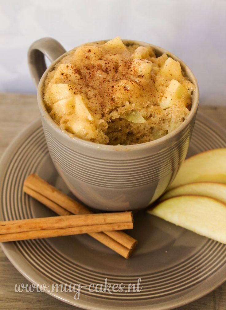 Leren hoe je een appel mug-cake (cake in mok) maakt met kaneel? Bekijk het recept en maak binnen enkele minuten in de magnetron een heerlijke mug-cake!