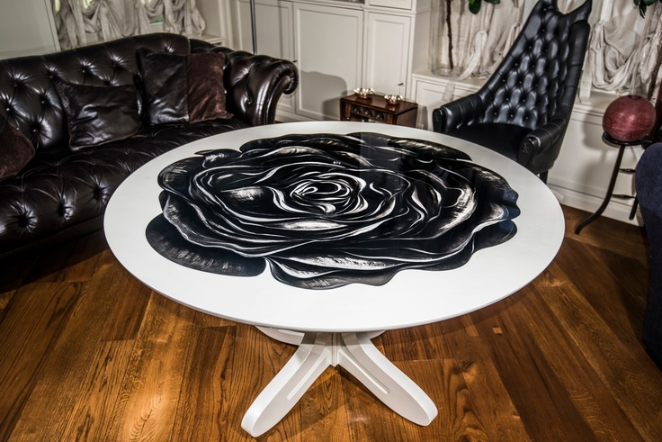 Artù table, by romeo orsi Made in Italy