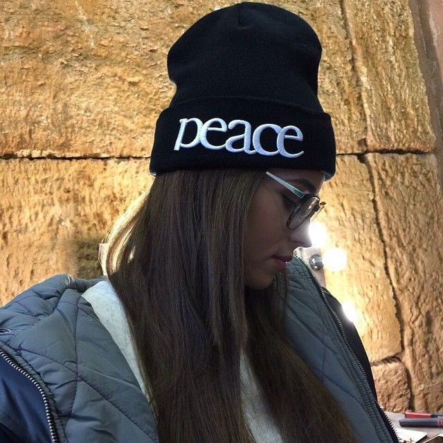 Peace : http://www.def-shop.fr/truespin-peace-beanie-black.html?smm=fr.pinterest.post