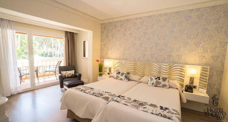HABITACIONES, un lugar para soñar.... Disponemos de 50 habitaciones equipadas con todas las comodidades:  Balcón o terraza, aire acondicionado o calefacción, minibar, TV pantalla plana, caja de seguridad, canal de música, teléfono, WIFI gratuito, secador de pelo, espejo de aumento, artículos de cortesía, albornoz y zapatillas.  Las habitaciones individuales disponen de cama de matrimonio....   #hotelcoto #habitaciones #zimmer #coloniadesantjordi #mallorca