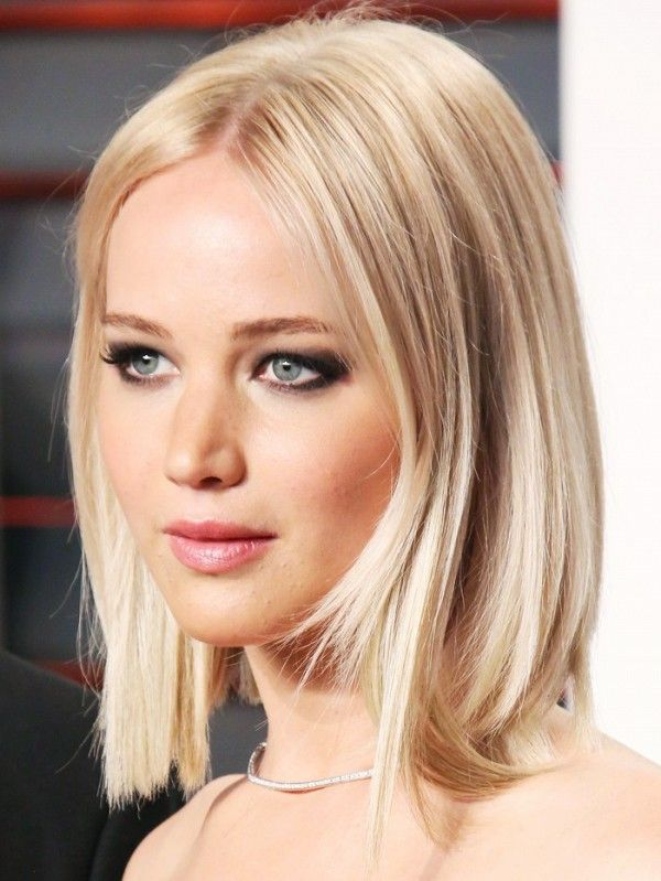 Jennifer Lawrence with platinum blonde hair.