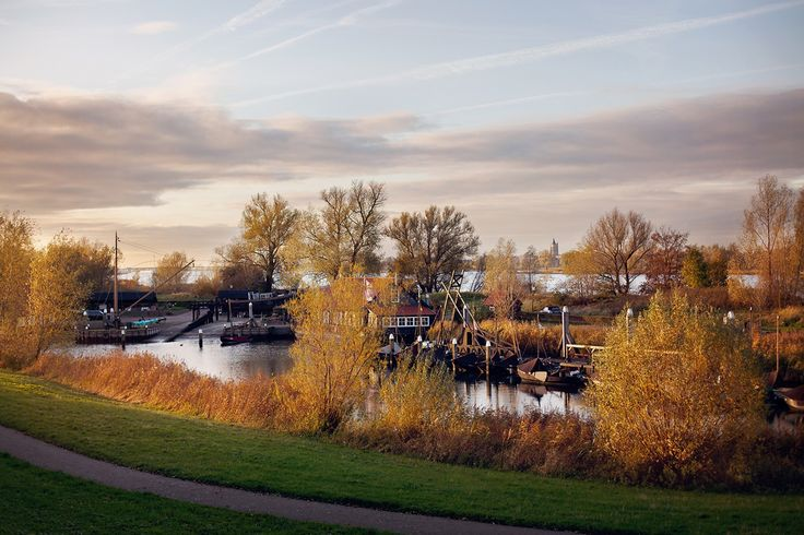 Beautiful picture from Woudrichem! Photo with naturel light. Like a paint..