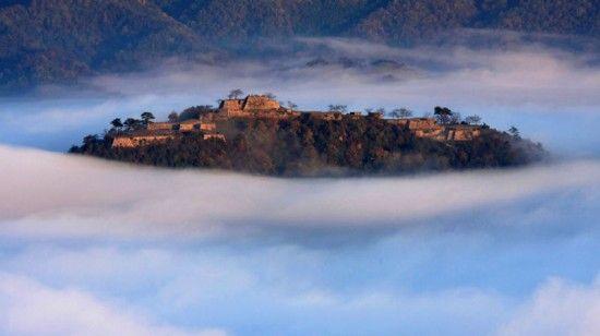 Castle in the sky - Takeda castle ruins in Japan