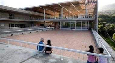 Conoce el Parque Biblioteca La Quintana - La lectura se populariza