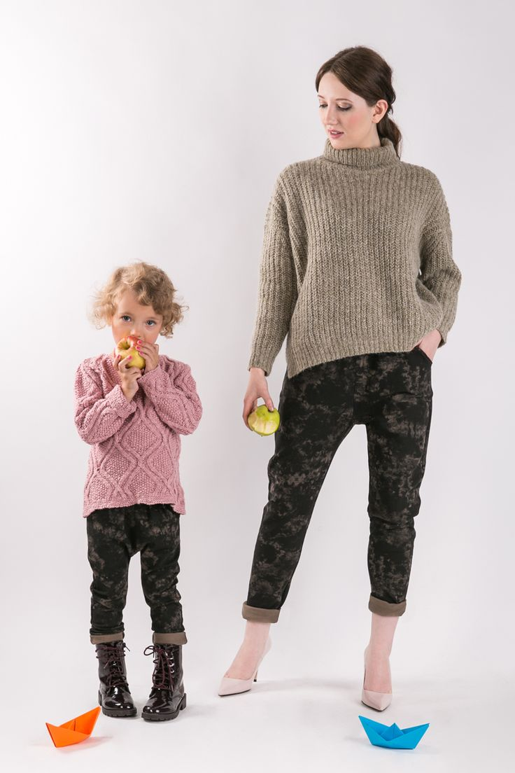 BATIK PANTS  Matching mommy and daughter outfits. Set of two pairs of cotton comfortable pants - the same for mom and doughter. #fashion #thesame #brownpants #poland #kidsfashion #womanfashion #momandchild #girlfashion #boyfashion #elegant #comfortable #stylishkids #stylishmother #stylishgirl  http://www.thesame.eu/kategoria/takie-same-spodnie-i-szorty/zestaw-2-x-spodnie-batik