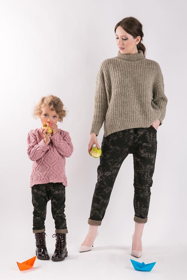 BATIK PANTS  Matching mommy and daughter outfits. Set of two pairs of cotton comfortable pants - the same for mom and doughter. #fashion #thesame #brownpants #poland #kidsfashion #womanfashion #momandchild #girlfashion #boyfashion #elegant #comfortable #stylishkids #stylishmother #stylishgirl  http://www.thesame.eu/kategoria/takie-same-spodnie-i-szorty/zestaw-2-x-spodnie-batik