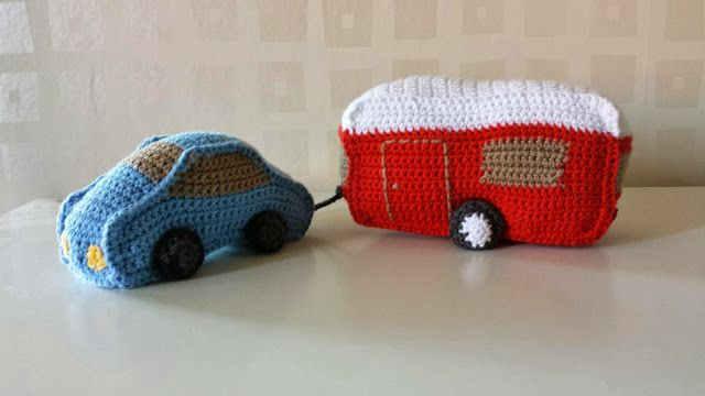 Crochet car and caravan