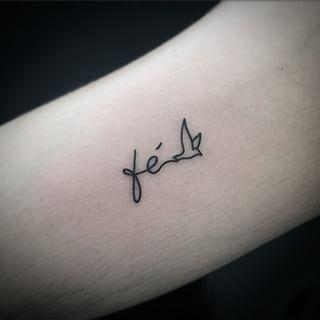 tattoo feminina fé - Pesquisa Google