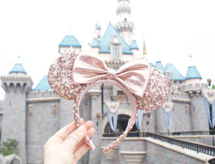 Where to Buy Rose Gold Minnie Mouse Ears at Disneyland - rose gold minnie mouse ears, rose gold mickey mouse ears, rose gold disney ears, tips for getting rose gold minnie mouse ears, Disneyland, Disney, Walt Disney World, cute Disneyland pictures, My Styled Life, Kendall of My Styled Life, fashion blogger.