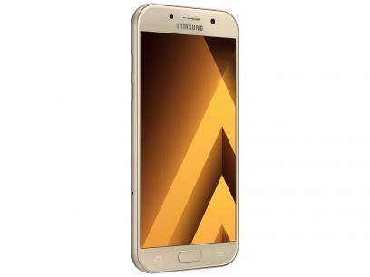 """Smartphone Samsung A7 2017 32GB Dourado Dual Chip - 4G Câm. 16MP + Selfie 16MP 5.7"""" Proc. Octa Core com as melhores condições você encontra no Magazine Maxeletrotop. Confira!"""
