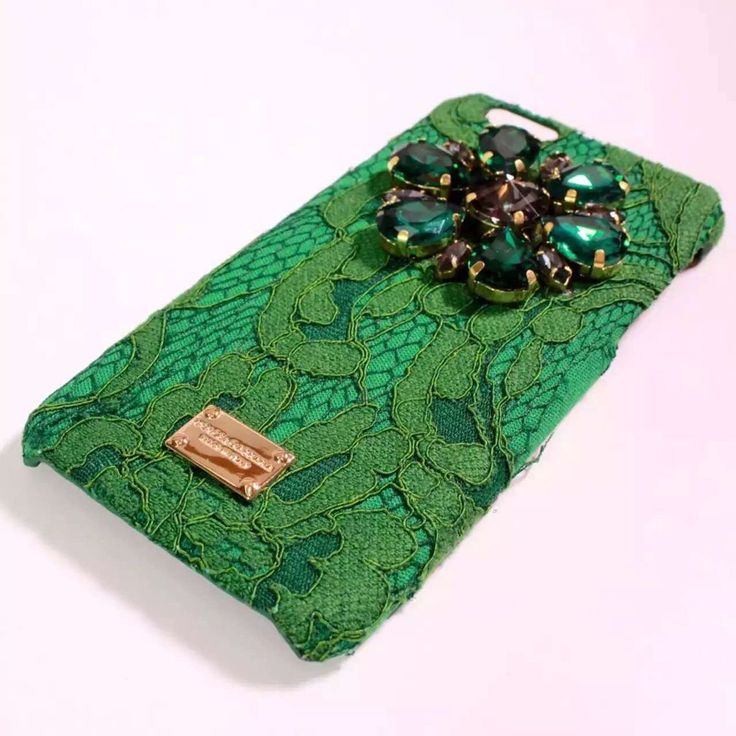 クール&モダンなデザインが魅力、イタリアの代表的ファッションブランドブランドDolce & Gabbanaドルチェ&ガッバーナ風iPhoneSE/7ケースおすすめページ。iphone7caseでDolce & Gabbanaドルチェ&ガッバーナiPhoneカバー、GalaxyケースやXperiaケースが豊富に揃った!