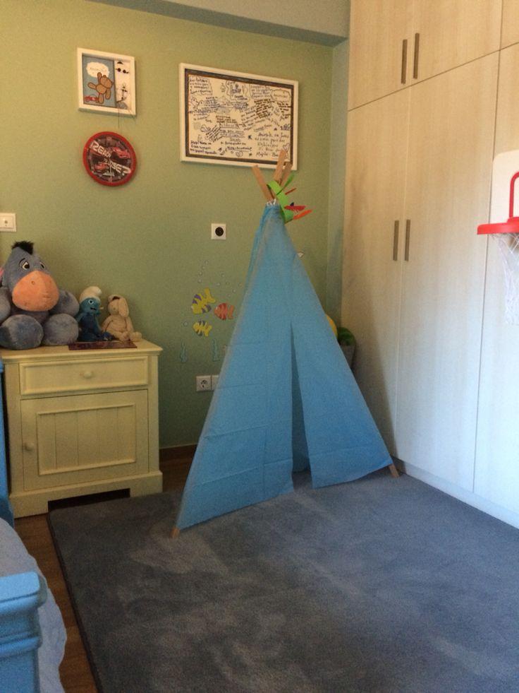 A play tent in my kid's room, sooooo simple, that makes children sooooo happy.❤️