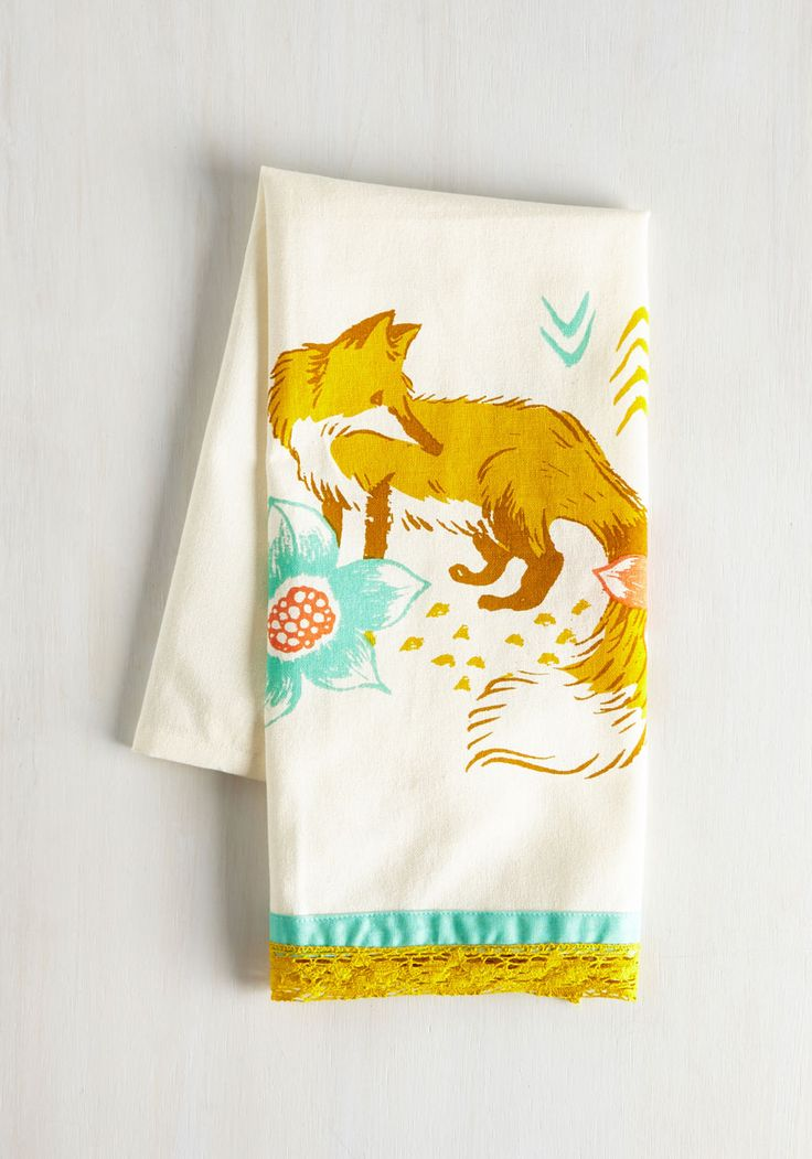 All Good in the Woods Tea Towel in Fox. Your friends have faith that anything you concoct with this cotton tea towel slung over your shoulder will be delish! #multi #modcloth