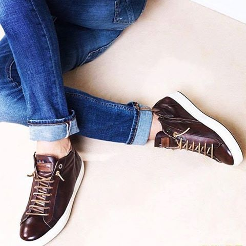 Brown urban low-top sneakers by D'acquasparta.  Available at: https://goo.gl/D2AWVt