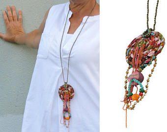 Frangia collana, Dreamcatcher collana, collana di fascino, stile Hippie, Gioielli inconsueti, tessuto gioielli, collana, gioielli fatti a mano
