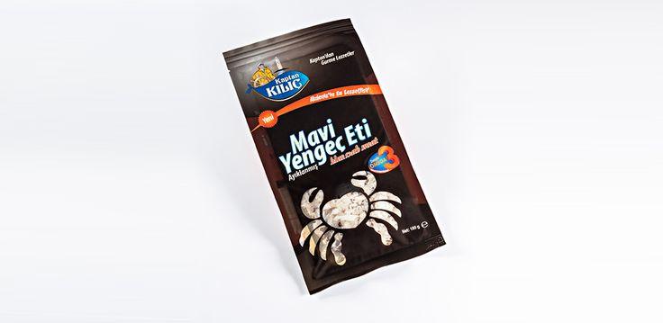 Mavi Yengeç Eti Porsiyonluk olarak hazırlanmış, mavi yengeç eti. Kullanım: Pişirmeden servis edilir. Beslenme faktörleri: Mavi Yengeç eti çok önemli bir protein ve enerji kaynağıdır.