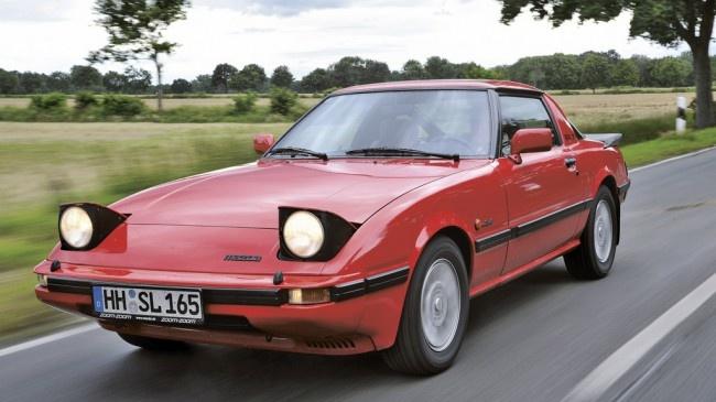Absolutnie niekonwencjonalna, pionierska technika i problemy, które z tego wynikły, oraz wzornictwo będące dla wielu dzisiejszych projektantów niedościgłym wzorem – oto Mazda RX-7