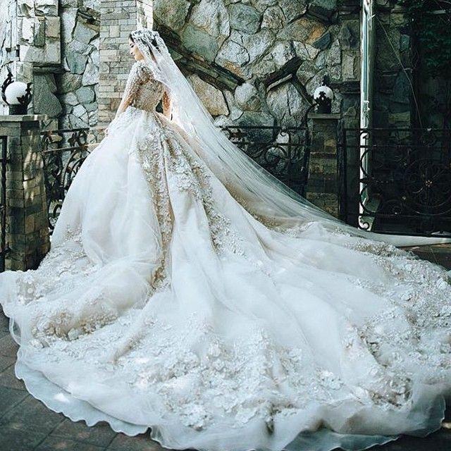 201 best Bride images on Pinterest | Short wedding gowns, Wedding ...