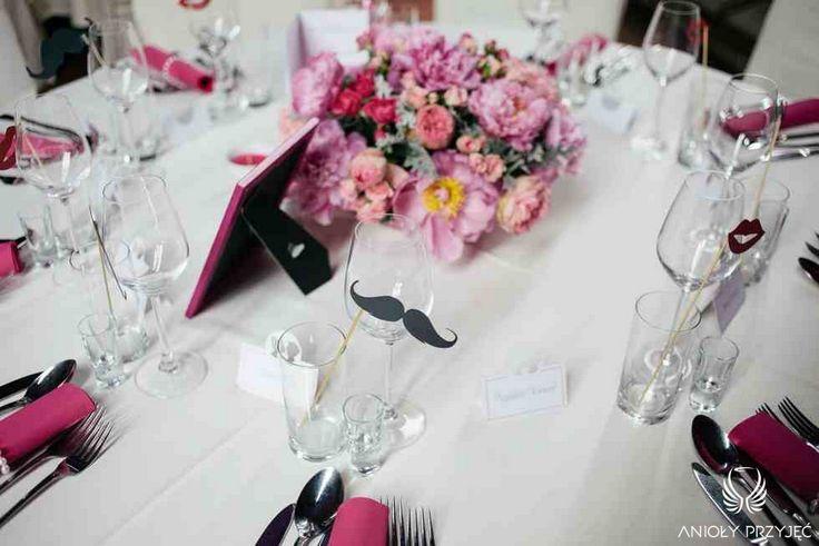 7. Fuchsia Wedding,Tablescape,Centerpiece / Wesele fuksjowe,Dekoracja stołu,Anioły Przyjęć