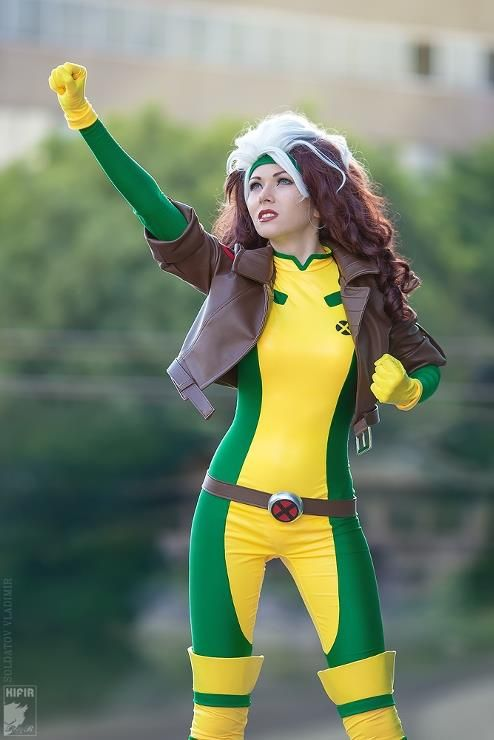 #cosplay A fantastic classic Rogue! I will be this for Halloween one day!