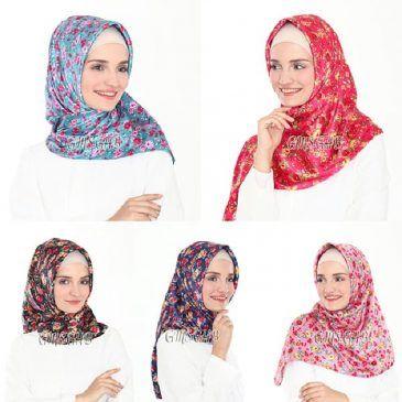 Jilbab Segiempat Velvet Bunga satin, Jilbab segiempat material satin velvet dengan motif bunga kecil. Material velvet memberikan efek kilap yang cantik dan elegan, WA +6289680010196