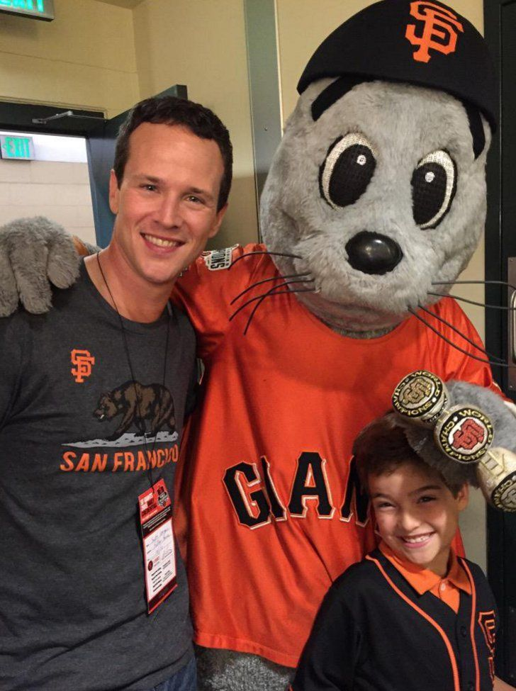 Pin for Later: Here's Everyone Who's Confirmed For the Fuller House Cast Elias Harger Harger will be playing DJ's 7-year-old, Max. He posted this cute photo on Twitter with Scott Weinger, who plays Steve.