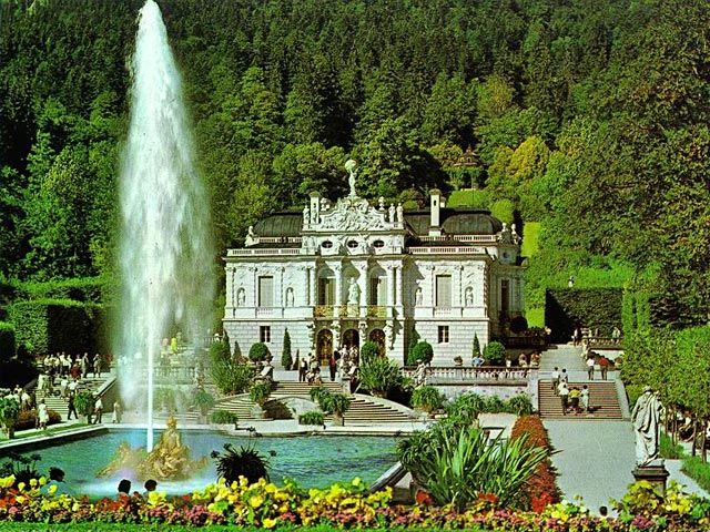 Epic Castle Linderhof Schloss Linderhof built by Mad King Ludwig who also built Castle