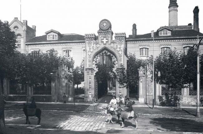 La primera fábrica de cerveza que se instaló en Santander abrió sus puertas en 1783. La fundó José Zuloaga en la calle Becedo con dos ingleses expertos en su producción llamados Nerschcot y Hogley....