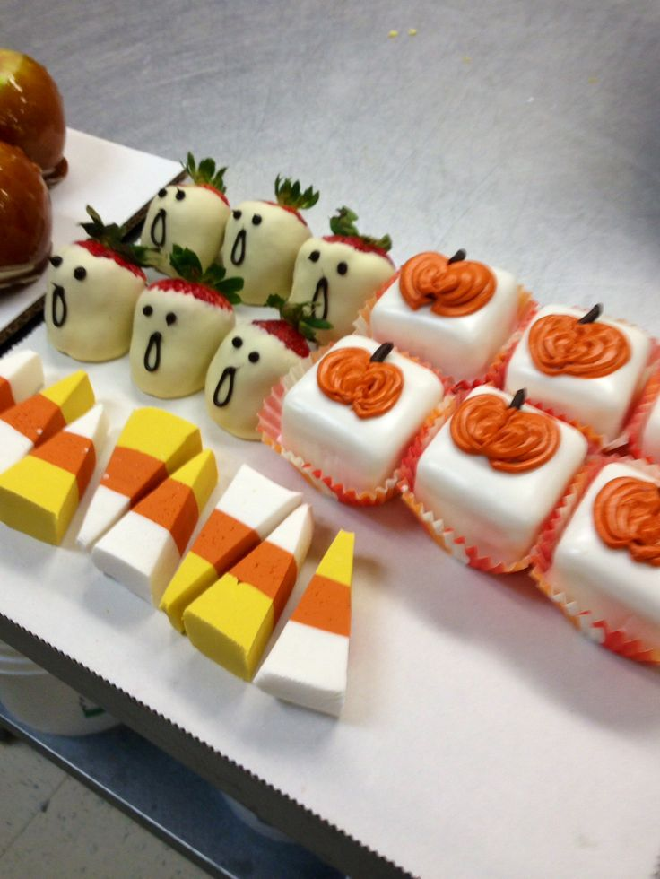 Candy corn fudge, strawberry ghosts and pumpkin petifores! Ready for Halloween!