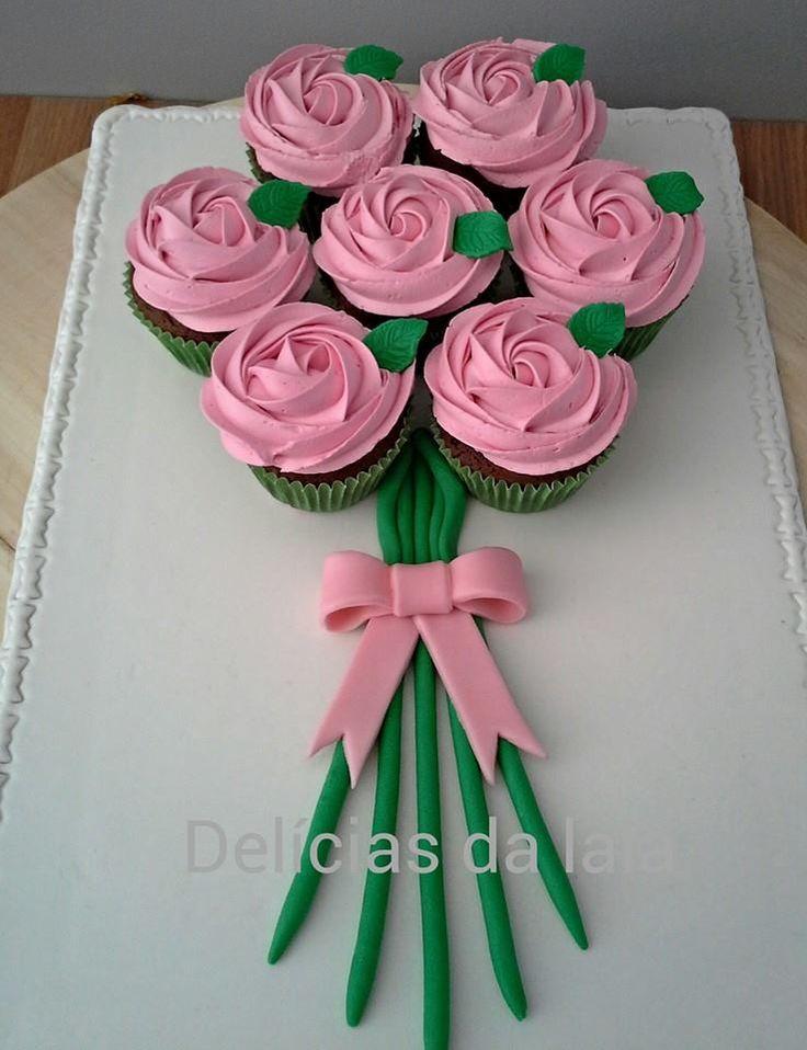 Ramo de cupcakes decorados com rosas