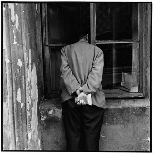 ©Борис Смелов. «Человек с топором. 1975» Посмотреть покрупнее!