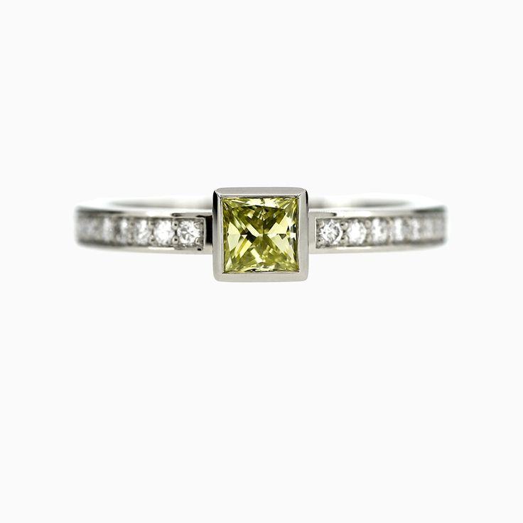 30% SALE size 5.5, Bezel Princess Ring