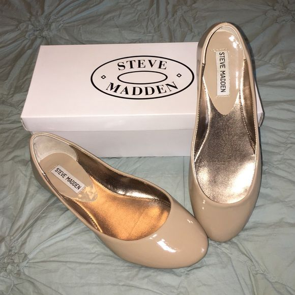 Steve Madden patent leather flats The essential nude flat! Steve Madden nude latent leather. Like new condition, minimal sole wear, box kept. Perfect for Spring! Steve Madden Shoes Flats & Loafers
