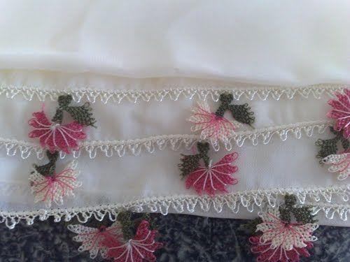 pembe beyaz çiçekli çıtı pıtı iğne oyası