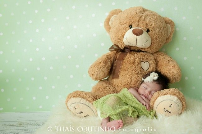 newborn photo shoot by Thais Coutinho