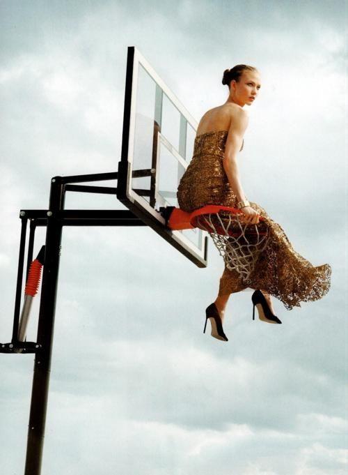 Nothin' but Net Go C's!  Karlie Kloss Vogue by Annie Leibovitz  via http://labellefabuleuse.tumblr.com/post/23103632287/karlie-kloss-photographed-by-anne-leibovitz-for