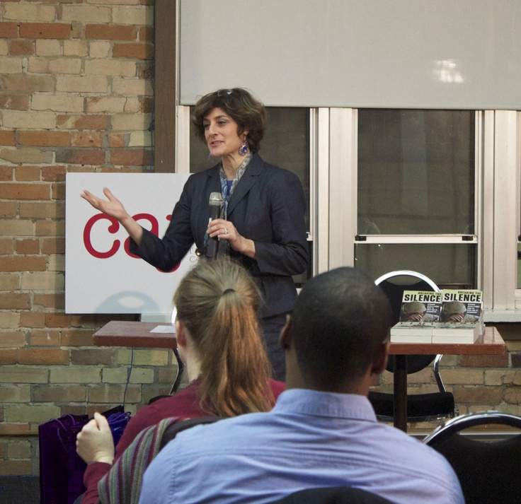 #CAJToronto VP Ellin Bessner thanks people for attending #CAJevent on #remembrance, #trauma and #journalism on Nov. 20 at #Ryerson campus.