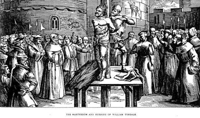 William Tyndale fue el primero en publicar un Nuevo Testamento en inglés traducido del griego. Él también tradujo algo de la Biblia Hebrea al inglés. En el prefacio a su tarducción de 1530 del Pentateuco (los primeros cinco libros de la Biblia Hebrea) él escribió sobre su creencia en la importancia de una traducción exacta de la Biblia. Él citó a Mateo 5 y el Salmo 119 para reafirmar su argumento.