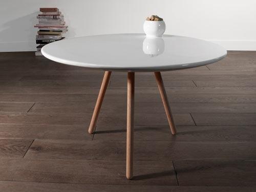Dot porcelain table de Miriam Liebana y Marcial Ashayane