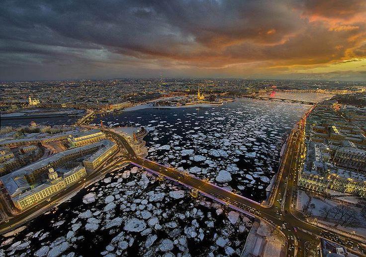 Санкт-Петербург, Нева, Дворцовый мост с птичьего полета