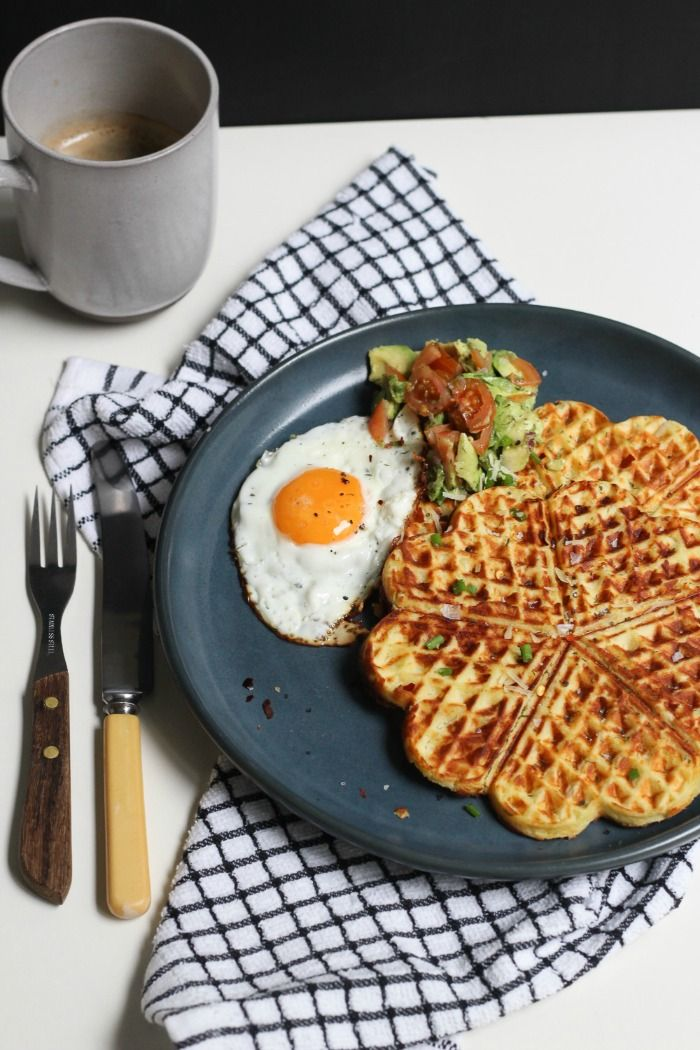 Wondering how to use up all of that leftover mashed potato!? Well look no further than these delicious Mash Potato, Parmesan and Chive Waffles! #mashed #potato #leftovers #recipe #easy  http://www.bakeplaysmile.com/mash-potato-parmesan-and-chive-waffles/