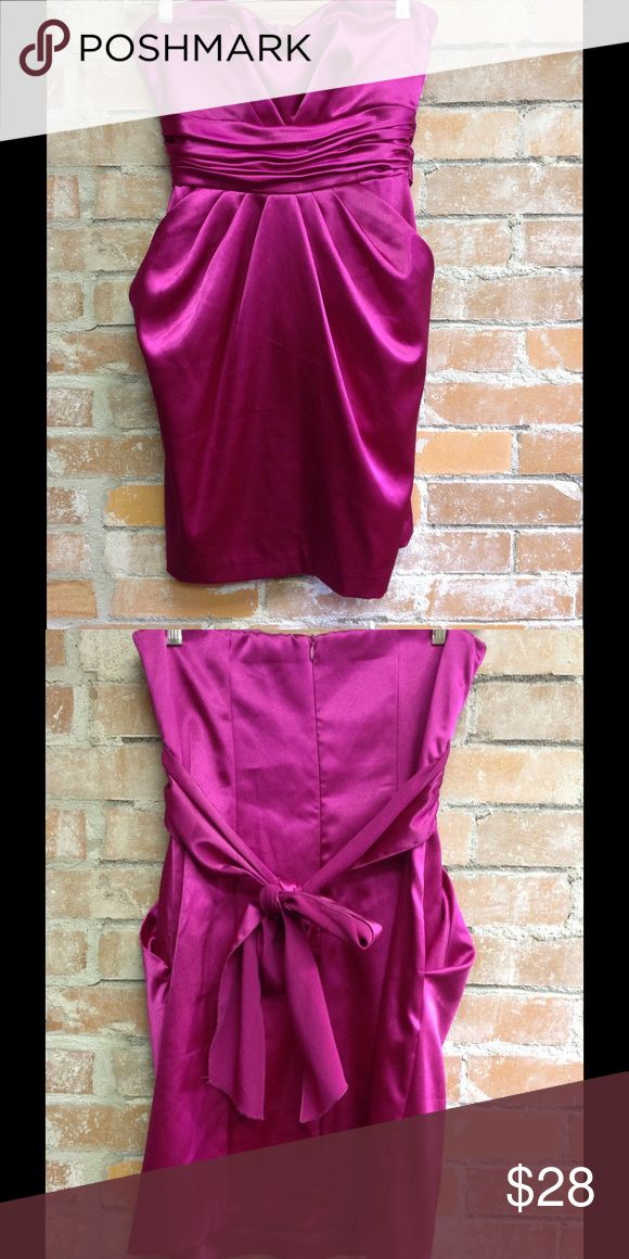 Gorgeous Magenta Strapless Dress Beautiful strapless dress with tie back. Excellent condition! Dresses Strapless